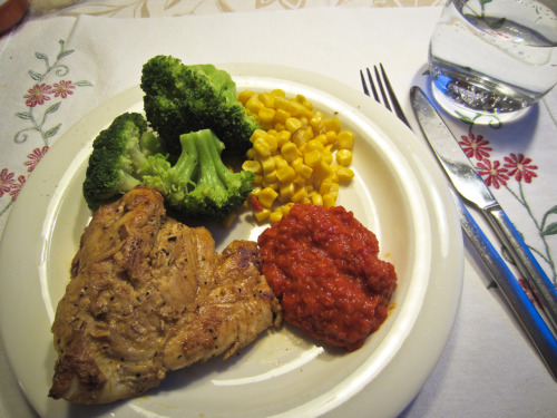 inflatable-girl:  Today's lunch: chicken, broccoli, corn and ajvar relish (made from red bell peppers, with eggplant, garlic and chili pepper, sooo yummy)