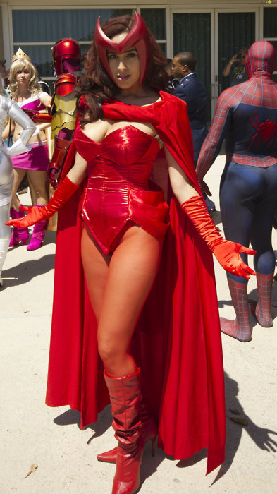 Superheroine in red!
