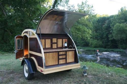 The Woodie Teardrop: A Home Away from Home Inside Man | via Apartment Therapy Los Angeles