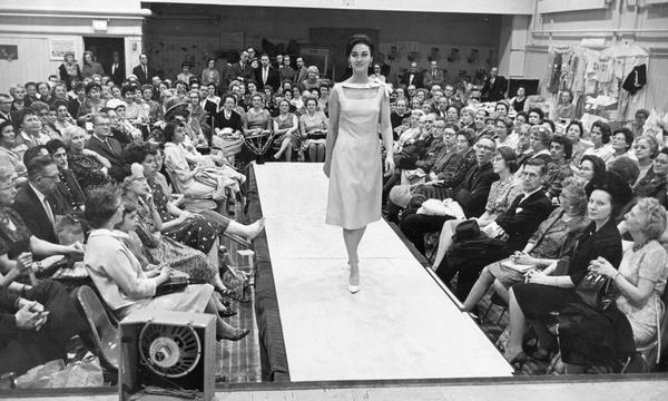 A model walks down the runway during an Easter fashion show, Milwaukee, 1963. Photo by Kenneth C. Futterlieb for the Milwaukee Journal Sentinel. via: Wisconsin Historical Images WHi-8329, Wisconsin Historical Society