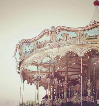 annaharo:  Carousel, Carousel… by {RozeMeisje} Less time to Flickr :s on Flickr.