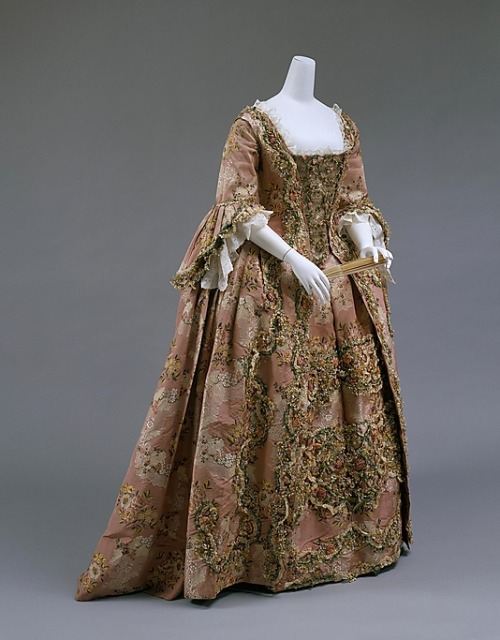 Robe à la française, 1750-75 France, the Met Museum