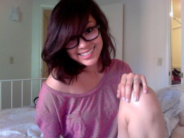 girlswithglasses:  nicoleetyana, fellow tumblr haaai :) (submitted by nicoleetyana)  …hai.
