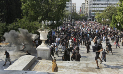 5 oct 2011, In front of #syntagma stairs next to the Metro entrance
