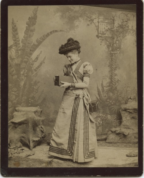 turnofthecentury:  Kitty Cramer, George Eastman's first Kodak Girl  via Kodak Collector