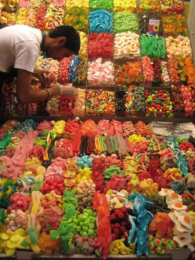 loveisnteverything:  omfg id eat all of it omgomg omg omg id feel so nasty after though.. but id still eat like all of it