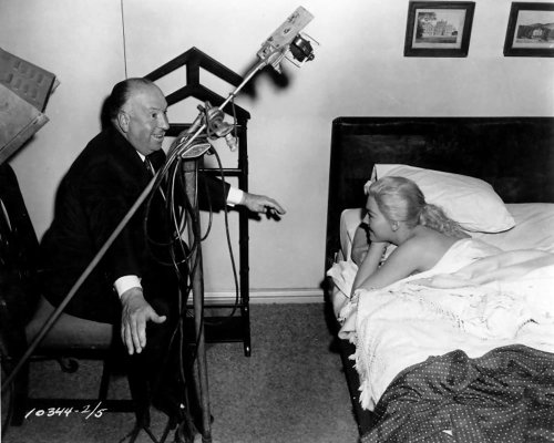 awesomepeopleinmovies:  Alfred Hitchcock directing Kim Novak on the set of Vertigo, 1958