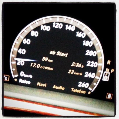 Hectic me trough the city #car #Mercedes #v221 (Taken with instagram)