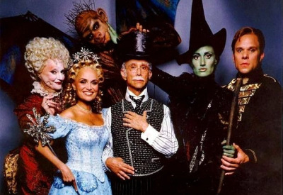 br0ad-way:  The original cast of WICKED  I love WICKED!! <3