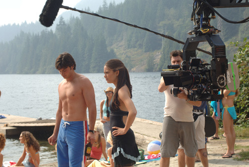 smallvillebts:  Tom Welling and Kristin Kreuk film a scene from Aqua.