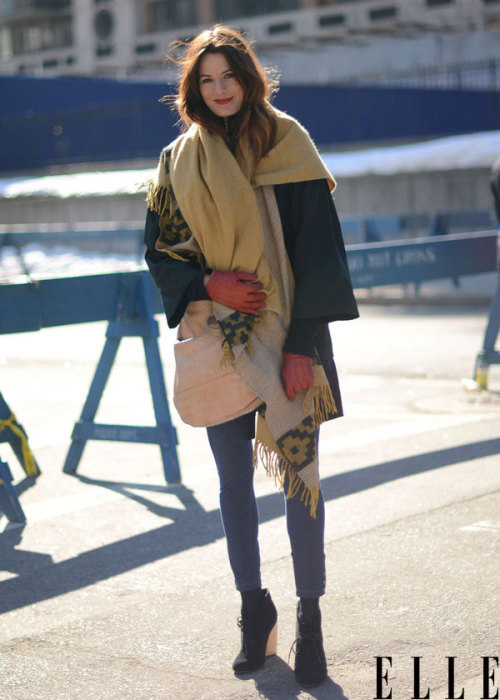 street-stylers:  Street-stylers.tumblr.com elle:  Street Chic: New York Outerwear still not warm enough for you? Toss on a blanket for the ultimate weather warrior ensemble. Shop our favorite options here! Photo: Courtney D'Alesio