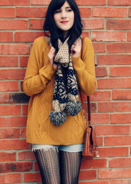 Bonnie from Flashes of Style bundles up in a cozy cardigan.