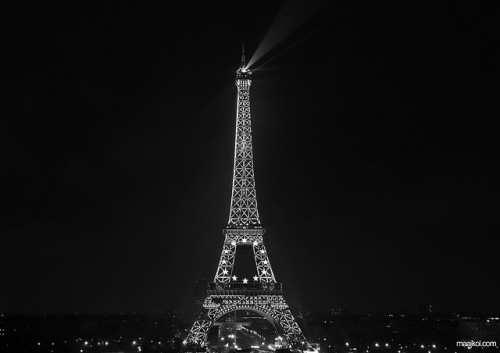 Eiffel tower by maikeldenneijsel on Flickr.