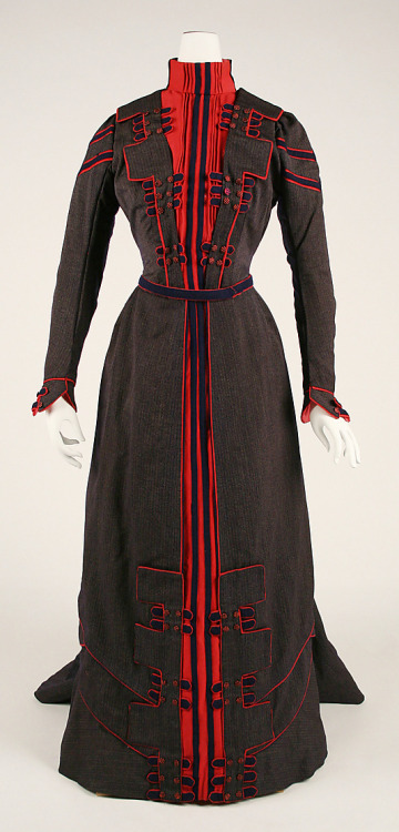 Walking dress, 1899-1900 France, the Met Museum