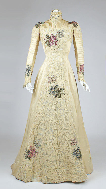 Dress, ca 1900 NYC, the Met Museum