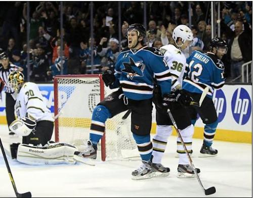 Torrey Mitchell celebrates capping San Jose's three-goal barrage in the second. Photo: Marcio Jose Sanchez / AP