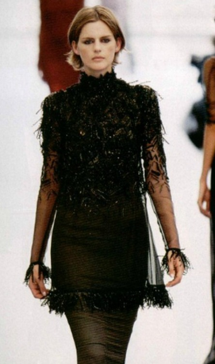 90srunway:  stella tennant at Chanel fall winter 1997/98 haute couture