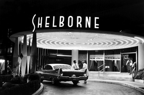 theniftyfifties:  The Shelborne Hotel photograped by Elliot Erwitt, 1950s.
