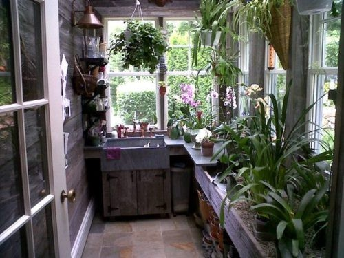 summoning-the-entity:  junglesoul:  I would love to have a kitchen like this…  As would I!