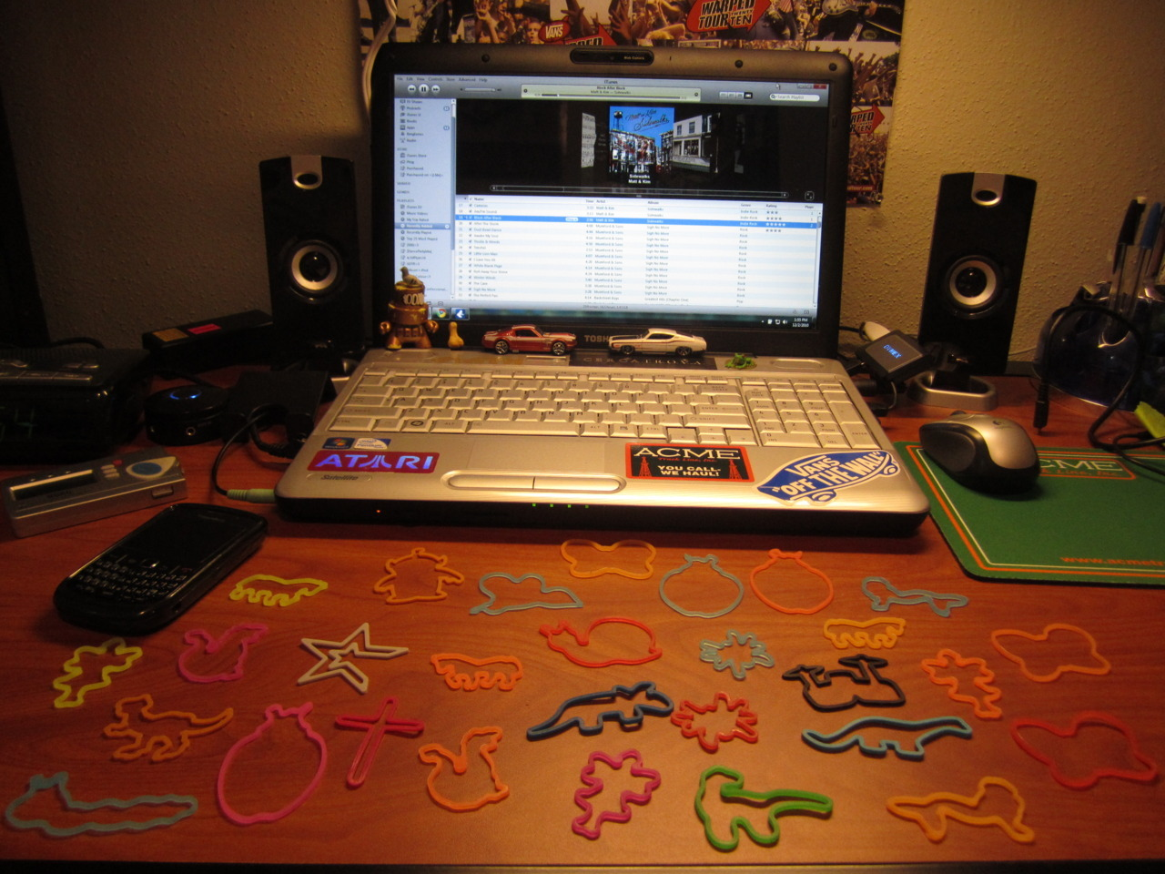 walrusdakid:  This was my desk in my dorm at college. All of the damn time.