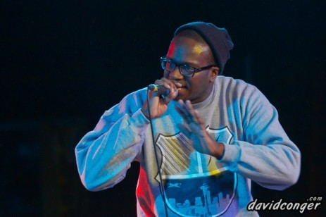 Check out this Picture of Otow Gang's own Khingz opening for BlackStar . Otow gang is reppin seattle and consists of 5 more people.  (Gabriel Teodros, Abysinnan Creole, Mic Flont, Troy, Barry & Massiah) opening for BlackStar last weekend www.weatherheadclothing.com
