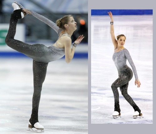Ah, the jumpsuit. Always a brave choice. Carolina Kostner winning the 2011 Grand Prix Final. Until this competition she had been using an old dress (from 2007) for the free skate but now she has a new costume. And it is very shiny. Sources: http://news.daylife.com/photo/09fBcDVfkR1yi http://loryloo.wordpress.com/2011/12/11/finala-grand-prix-2011-programul-liber/