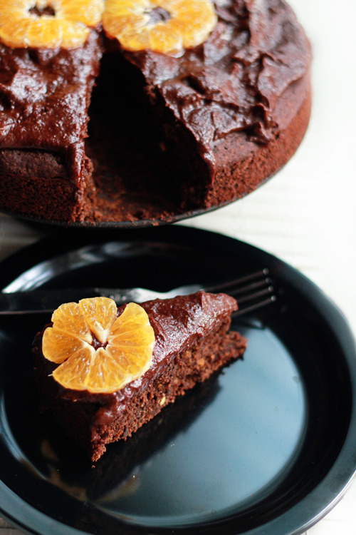 veganbreakfast:  Chocolate Orange Cake with Rich Chocolate Frosting is healthy enough for breakfast. It's vegan, gluten free and refined sugar free.