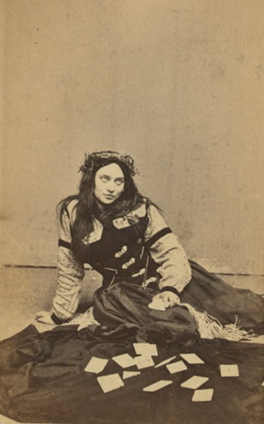 tampasteampunk:  calembredaines:  Fortune Teller - Early 1870's  I'm making a steampunk fortune teller outfit seeing that I've been reading tarot cards for years. This is a great inspiration outfit.