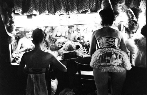 Showgirls by Lisa Larsen 1952