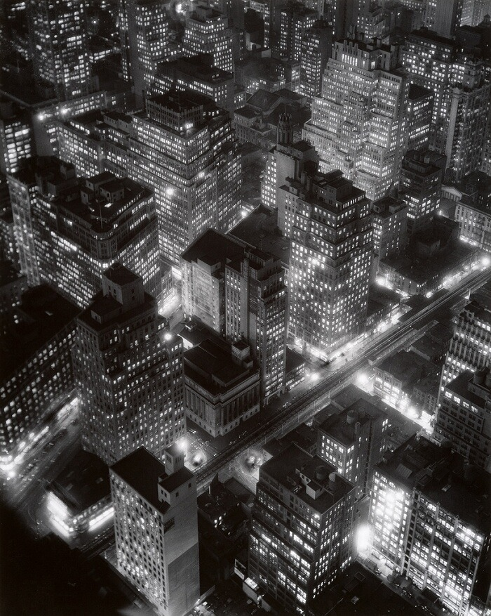 Night view, New York, 1932 Berenice Abbott