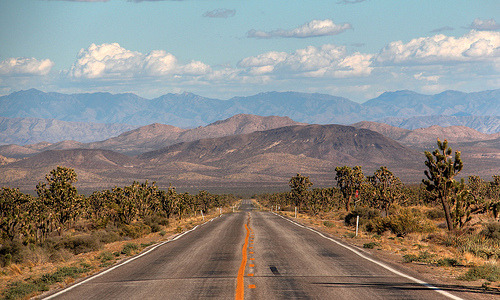 refero-mundus:  Desert Road HDR (by J-a-x)