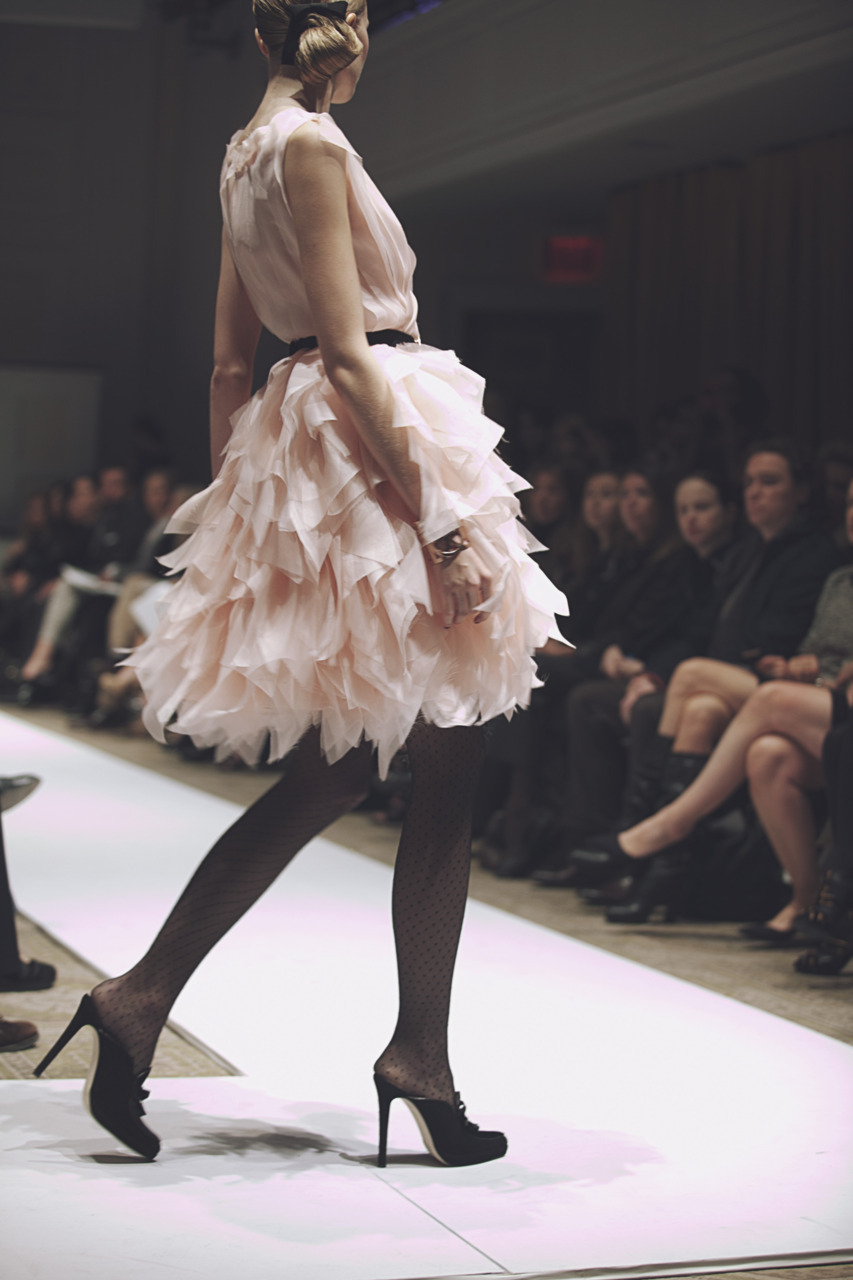 petal. jamesnord:  One of my favorites from the Oscar de la Renta Pre-Fall