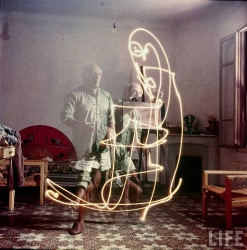 Photos of Picasso Creating Light Paintings (1949)