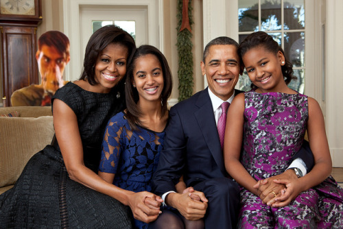 Happy Holidays from Stefon and the Obamas.