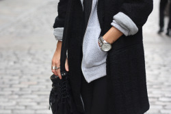 classic-noir:  streetstyle blog! I need more blogs to follow! Message me here if you are streetstyle. :)