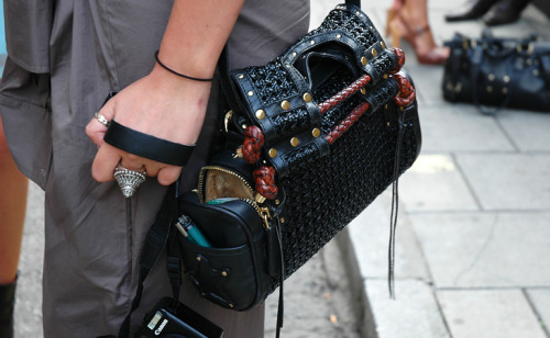 What a fabulous bag!  via Jak & Jill