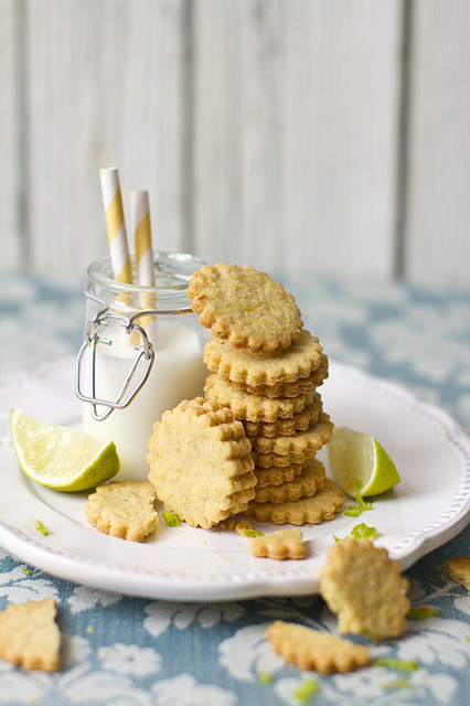 Lime, cornflour cookie by bognarreni on Flickr.