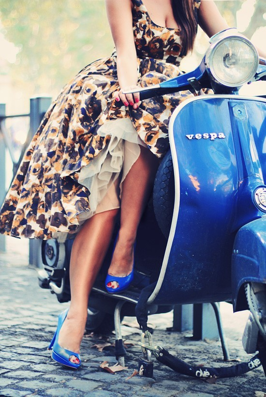 starrfaithfull1931:  Love Vespas! One of these days… whatshewanted:  what a pretty dress! i like the vespa too. :)