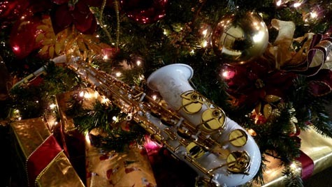 Merry Christmas =D 1-2-you-know-what-to-do:  A Very Saxy Christmas