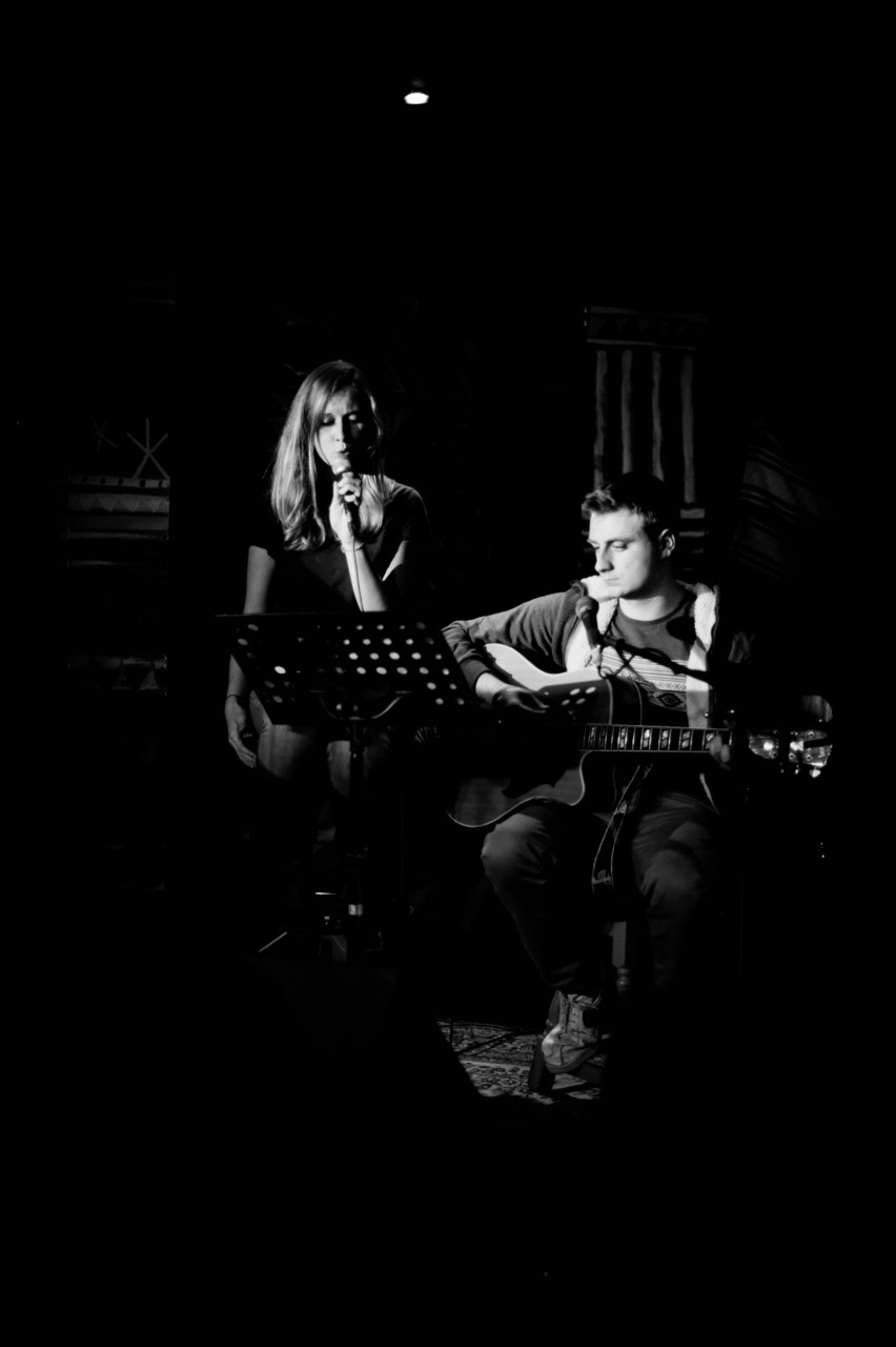shot: lucy o'conor & john radmall at rosie and tim's acoustic night at @mama_stones