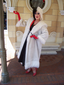 Cruella Taken on August 22, 2009 near Disney Showcase on Main Street USA, Disneyland (Disneyland Resort, Anaheim, CA) Photo by Loren R. Javier.  This photo can be republished for non-commercial purposes, but only if it contains photo credit and/or link back to the original photo.  Please click photo for rules on the Creative Commons license of this photo.
