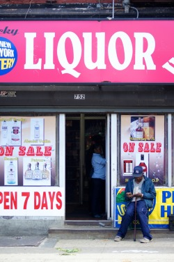 """Liquor"" - Street Photography in New York City"