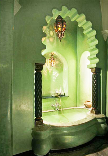 Beautiful alcove bathtub in Marrakech (via Blog Beat: Hotel Chic | Fauxology)