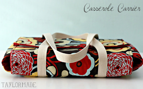 DIY: Casserole Carrier  omg this is so awesome lolol a handbag for casseroles i can't i want one now click here for the how-to