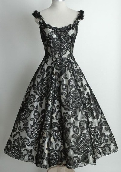 Oooh…all of my bridesmaids would look pretty in this :)