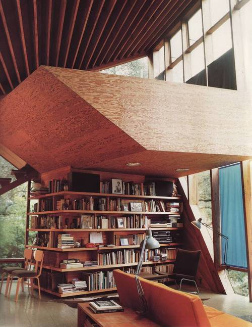 bookmania:  Bookshelf vista (via wendycooper)