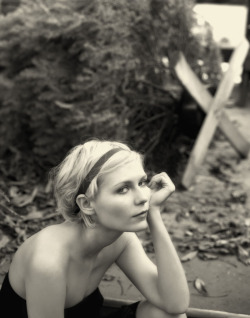 Kirsten Dunst by Kevin Lynch