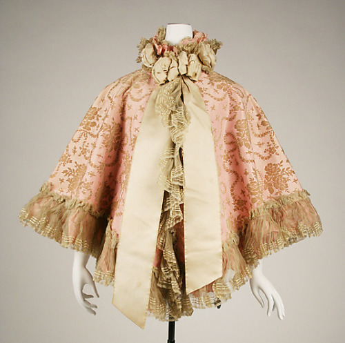 Opera cape, 1898 UK, the Met Museum