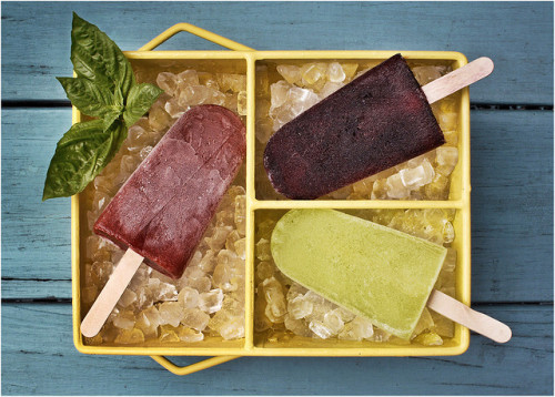 Adult Popsicles by strobist on Flickr.