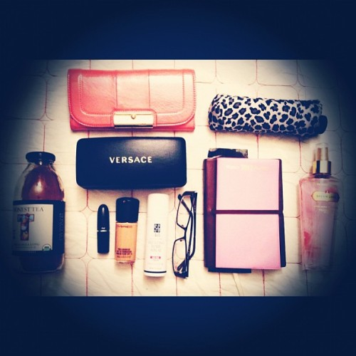 ritrovarsi:  What's in my bag?